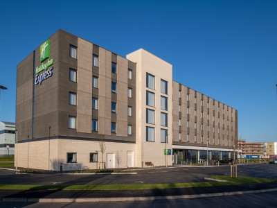 FP McCann - Holiday Inn Express Group specifies Modular Precast Concrete Frame Solution on 4th Generation Hotel Design